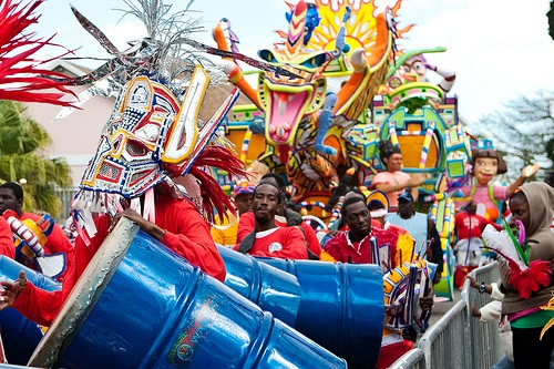 Celebrando el Junkanoo de las Bahamas
