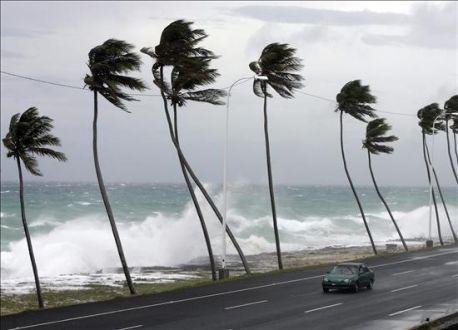 Consejos de Planificación de unas Vacaciones en el Caribe durante la temporada de Huracanes